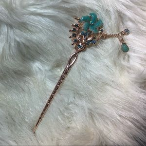 💙 Elegant Blue and Gold Hair Pin Accessory 🧡